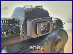 Fujifilm FinePix S3 Pro / 12.3MP Digital SLR Camera / Color Black (Body only)